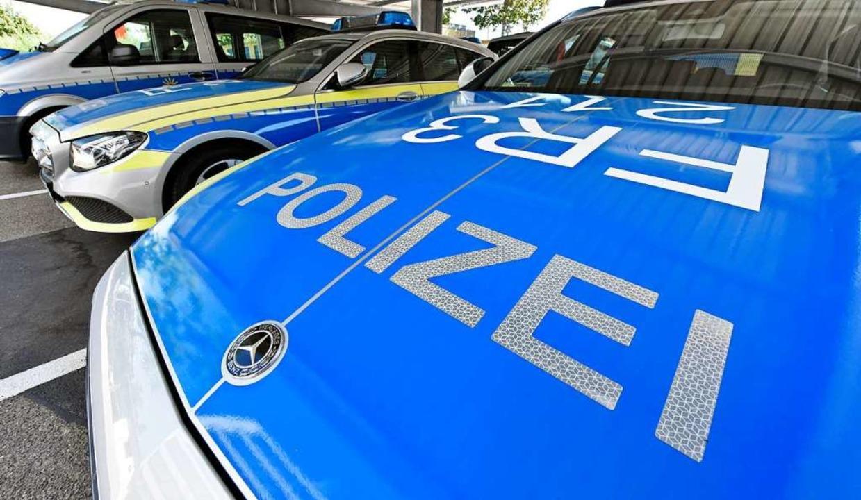 Die Polizei meldet einen Unfall mit hohem Sachschaden auf der A98 (Symbolfoto).  | Foto: Michael Bamberger