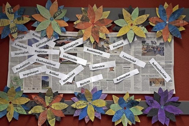 Herbstdeko mit Zeitung
