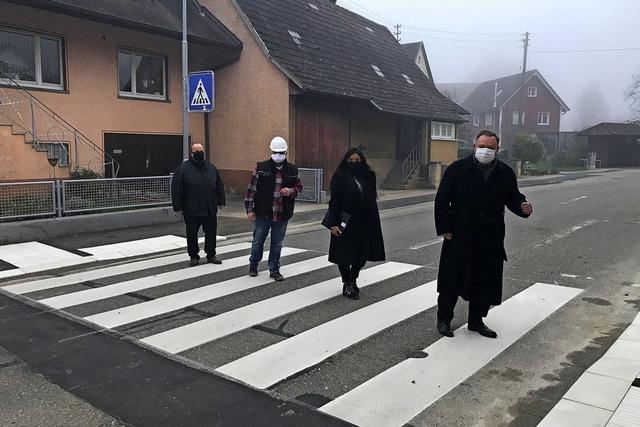 Neuer Zebrastreifen an der Bottinger Straße