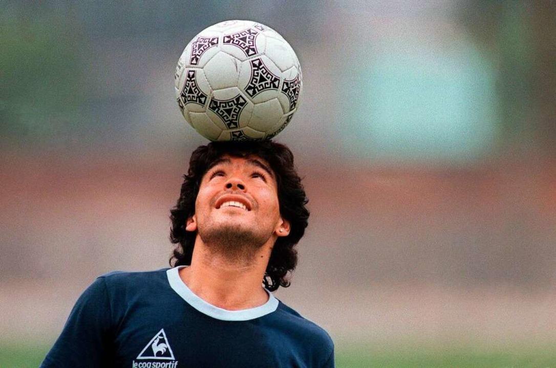 Der Ball gehorchte ihm, das Leben nicht: Diego Maradona  | Foto: JORGE DURAN (AFP)