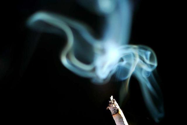 Zigarette löst wohl Wohnungsbrand im Stühlinger aus