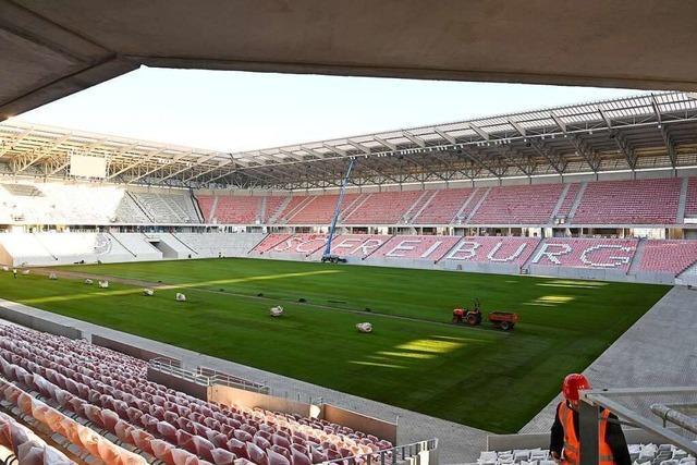 Video aus der Vogelperspektive: Das neue SC-Stadion bekommt seinen Rasen
