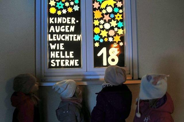 Wo sich im Markgräflerland Adventsfenster öffnen und Plätze erstrahlen
