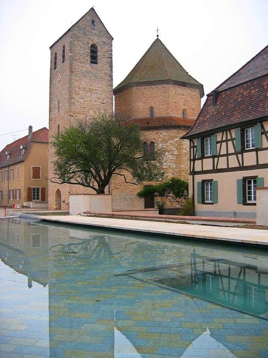 Ein  Schatz der romanischen Architektur: die Abteikirche von Ottmarsheim    Foto: honorarfrei