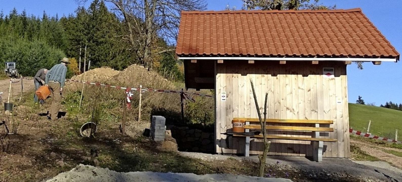 Erst wurde die  Wachteichenhütte herge...#8211; jetzt folgte die Außenanlage.    | Foto: Wolfgang Becker