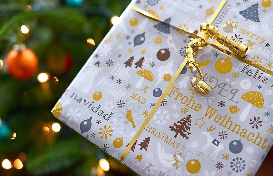 Anträge für einen Zuschuss für Bedürft...d um das Weihnachtsfest haben Vorrang.    Foto:  dpa Deutsche Presse-Agentur