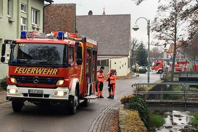 Heitersheimer Feuerwehr belüftet Treppenhaus – wegen Chlorreiniger