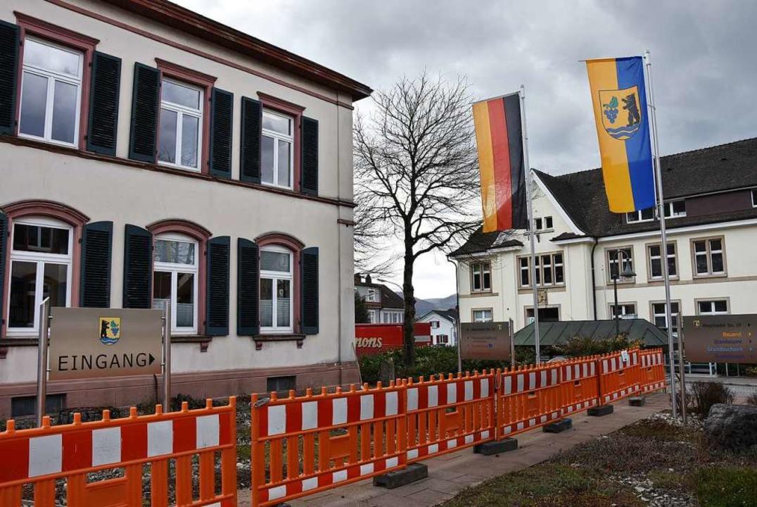 Seit dem Frühjahr hat das Rathaus Wyhlen einen barrierefreien Zugang.    Foto: Heinz und Monika Vollmar