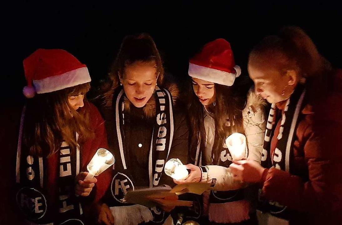 600 Sängerinnen und Sänger stimmten 20...on in Emmendingen Weihnachtslieder an.    Foto: Gerhard Walser