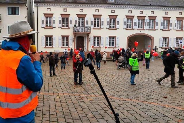 80 Demonstranten gegen Corona-Politik erhalten Widerspruch vom Ärzteverein Markgräflerland