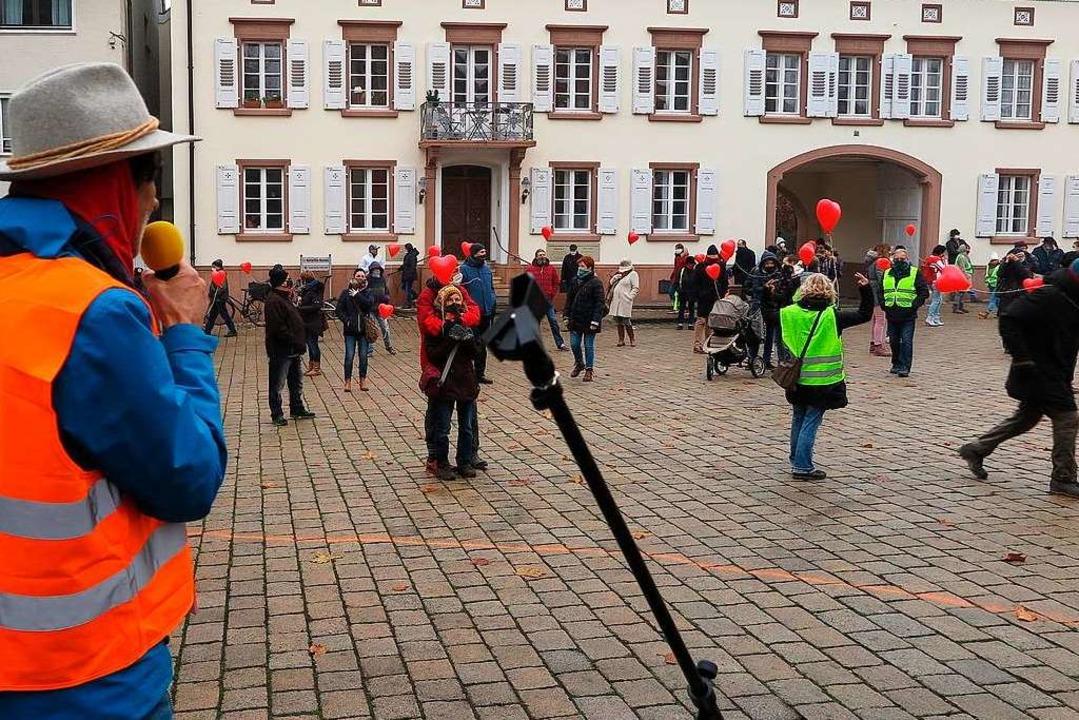 Arzt und Organisator  Adolf Wasmer bei...g in Müllheim gegen die Corona-Politik  | Foto: Dorothee Philipp