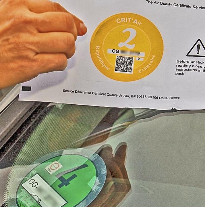 Die Crit'Air-Plakette stuft Fahrzeuge nach Sauberkeit ein.   | Foto: michael Brück