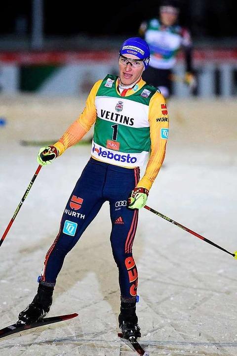 Manuel Faißt läuft als Dritter locker ins Ziel.    Foto: Vesa Moilanen (dpa)