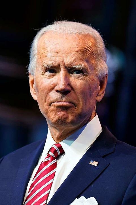 Joe Biden hat sich beim Spielen mit se...eine Stressfrakturen im Fuß zugezogen.  | Foto: Andrew Harnik (dpa)