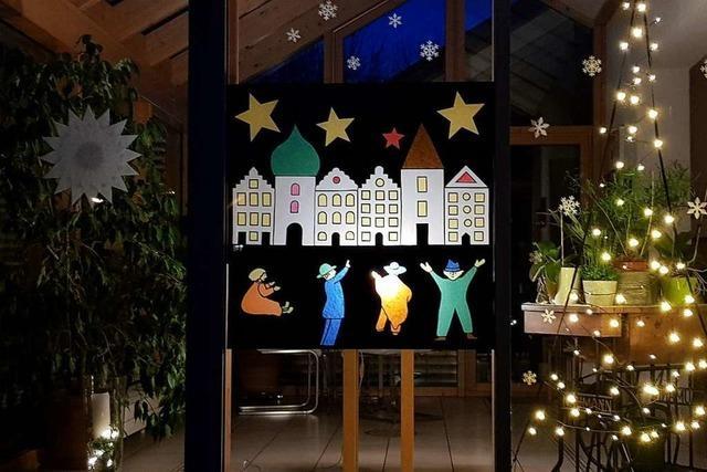 Adventsfenster sollen vielerorts trotz der Pandemie leuchten