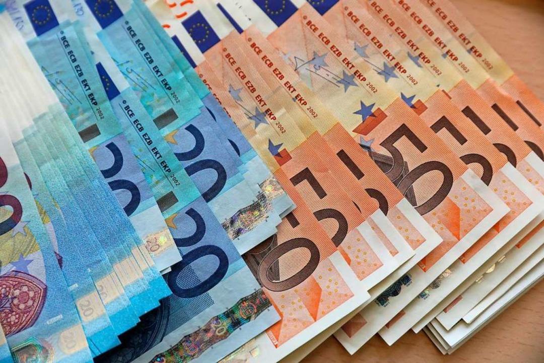 Die Stadt wird wohl 11,6 Millionen neue Schulden machen müssen.  | Foto: Bernd Wüstneck (dpa)