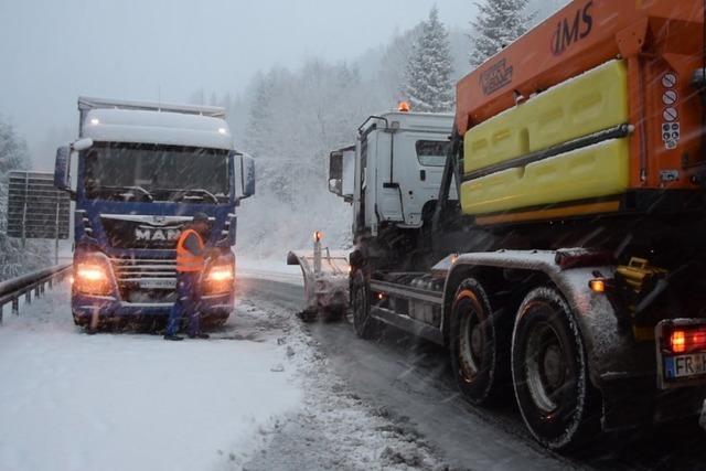 Schnee und Eis zum Dezemberstart – Glätte-Unfälle unter anderem im Kreis Lörrach