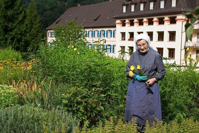 Im Kräutergarten Oberried und Klostergarten St. Trudpert wachsen die Früchte Gottes