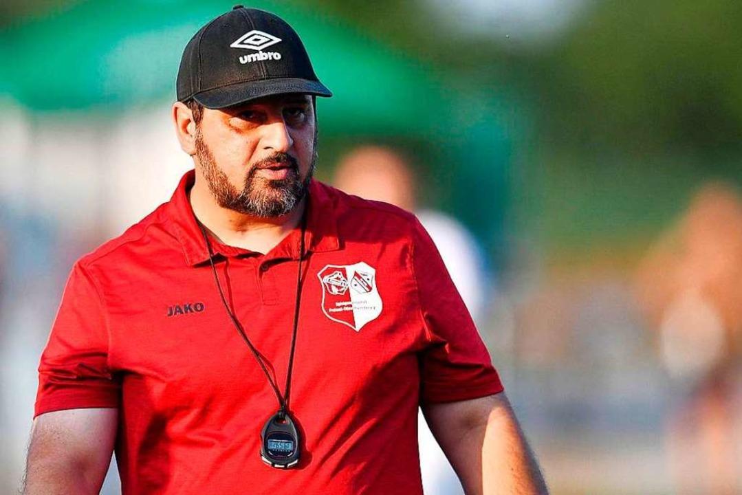 Von ihm besitzt die Mannschaft der SG ... Gesangsvideo: Trainer Roberto Palermo  | Foto: Achim Keller