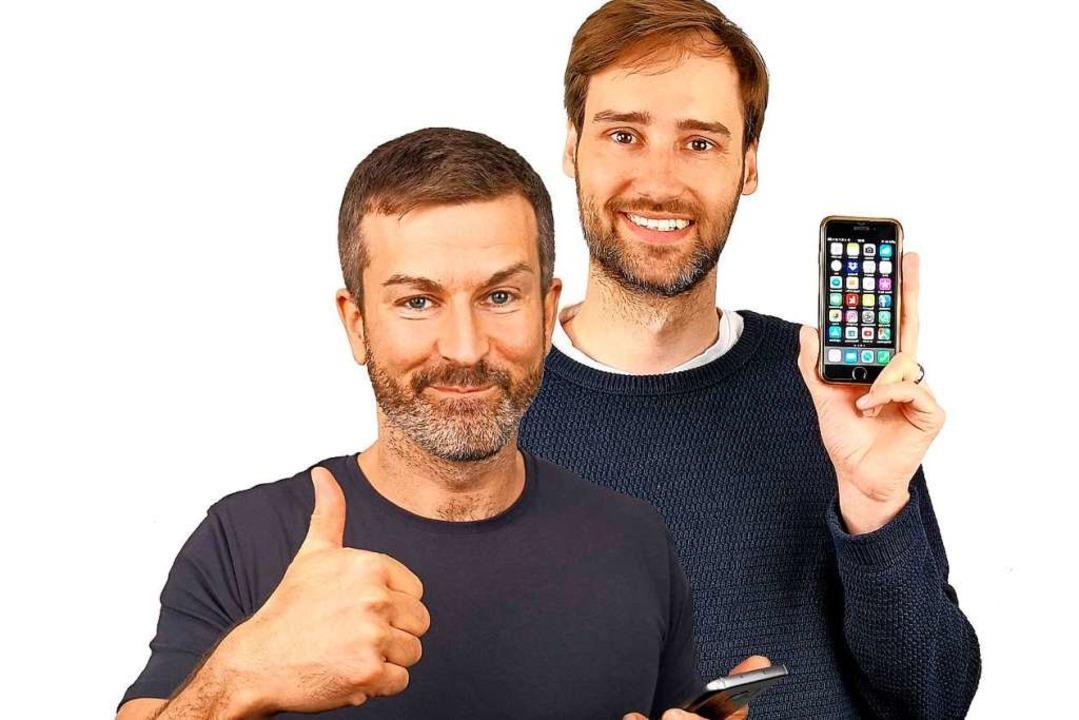 Die Handyexperten von Levato: Andreas Dautermann (links) und Kristoffer Braun  | Foto: Levato