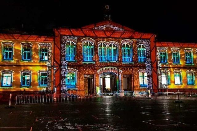 Zum Lahrer Rathausplatz lockt eine besondere Illumination