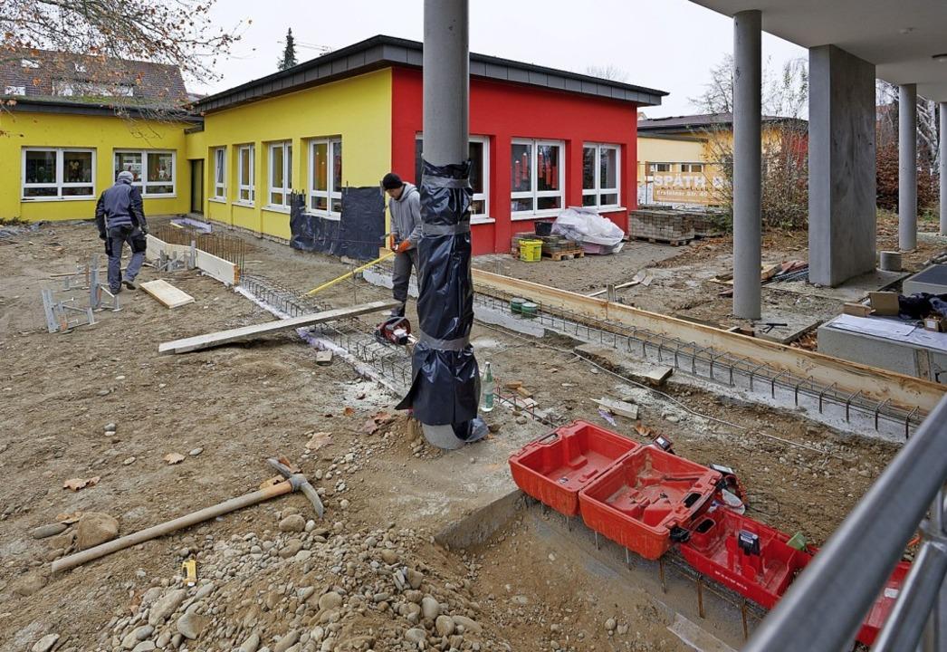 Der Erweiterungsbau des Kindergartens ...bindungsgang zwischen Alt- und Neubau.  | Foto: Martin Wendel
