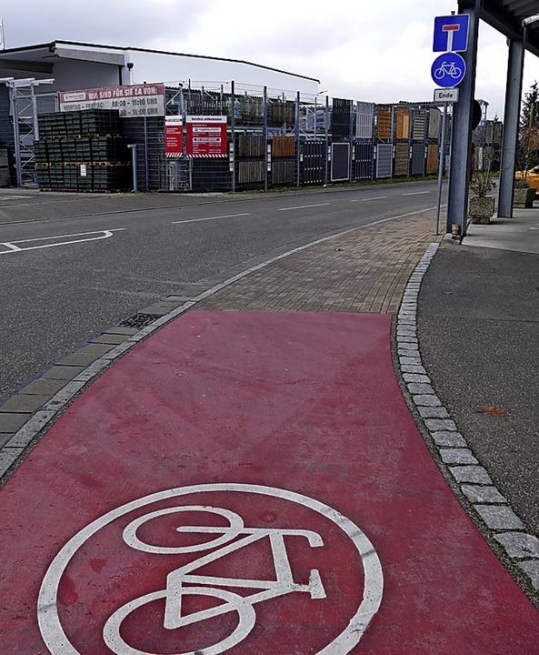 Beim Willig-Kreisel sollen Furten über...det der Fahrradweg bei der Tankstelle.  | Foto: Frank Schoch