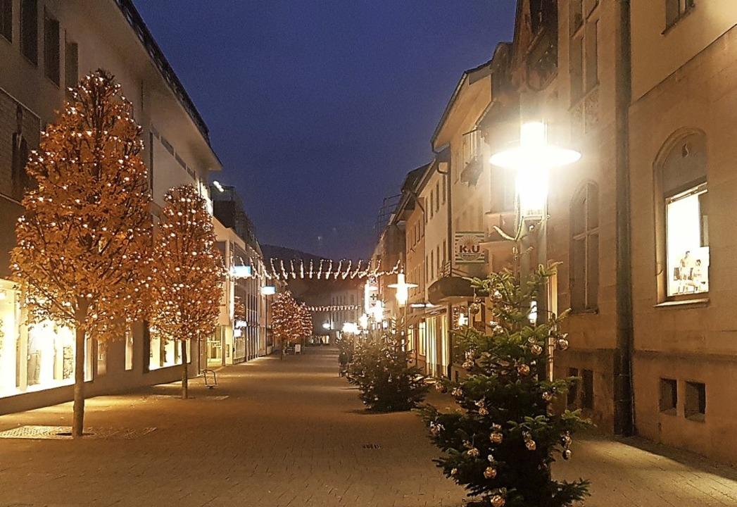 Die neue Beleuchtung in der Schützenstraße   | Foto: Hildegard Siebold