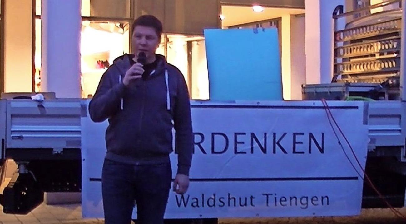 Jörg Müller bei der Querdenken-Demo am 14. November in Lörrach  | Foto: Screenshot BZ