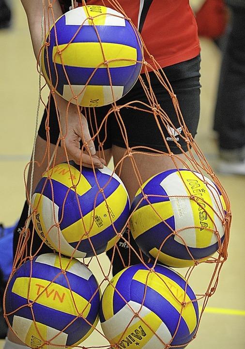 Die Volleybälle bleiben in Südbaden erst einmal im Netz.   | Foto: Patrcik Seeger