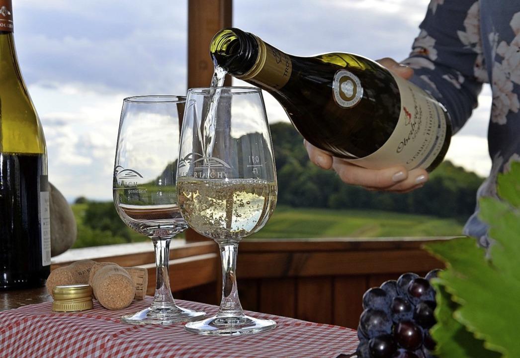 Themenweinproben bieten die Kaiserstühler Winzergenossenschaften an.  | Foto: Petra Littner