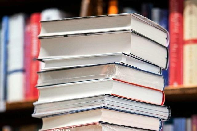 Buchhändlerin gibt 7 Lesetipps zum Thema Warten
