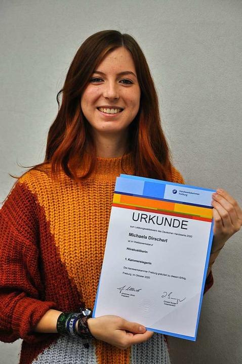 Frischgebackene Hörakustikerin: Michae...heim als Kammersiegerin abgeschlossen.    Foto: Jutta Schütz
