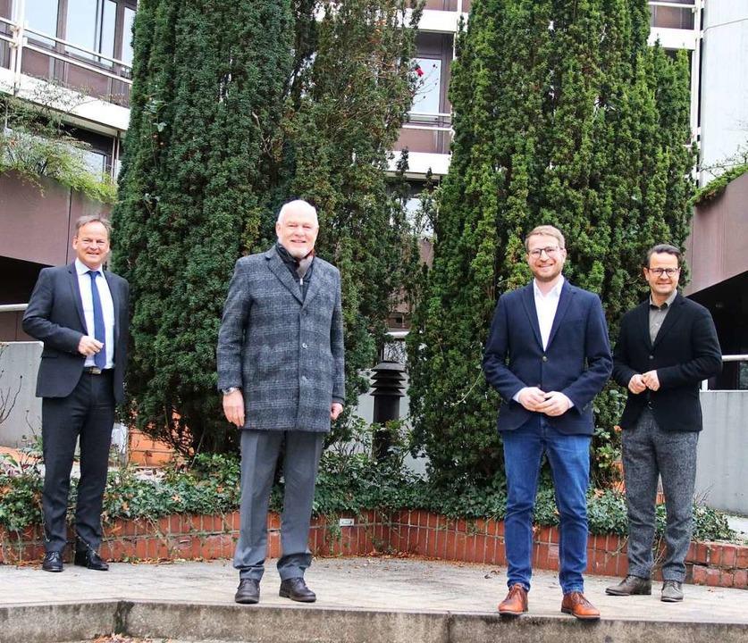 Erstmals ein Pächter fürs Weingut Schl...f und Oberbürgermeister Marco Steffens  | Foto: Stadt Offenburg