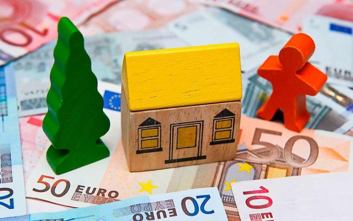 Die Stadt Lörrach braucht mehr Geld. D...uch einer Grundsteuererhöhung im Raum.  | Foto: Patrick Pleul