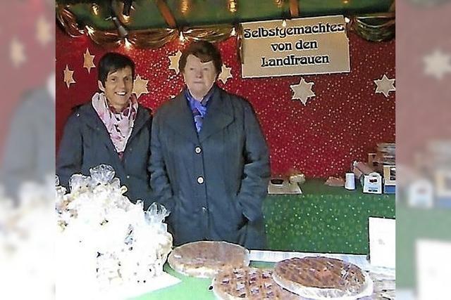 Linzer Torte und Kleingebäck auf Bestellung