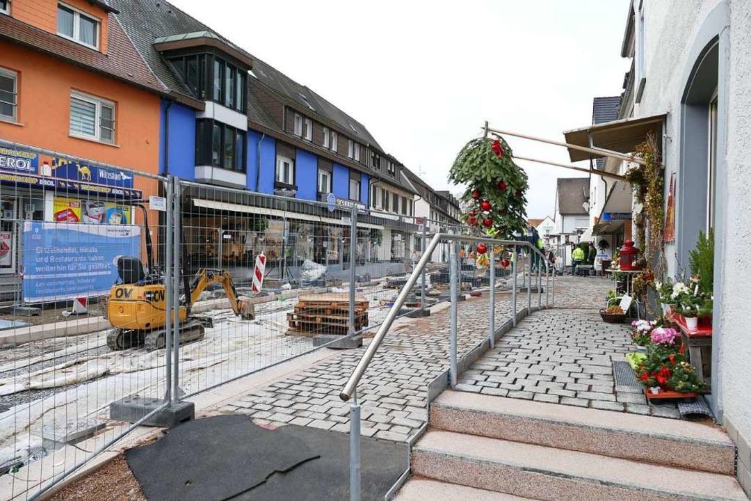 Der neugestaltete, barrierefreie Trepp...r Schlüsselstraße macht schon was her.  | Foto: Susanne Ehmann