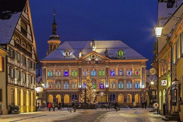 Adventsweg rund ums Kalender-Rathaus