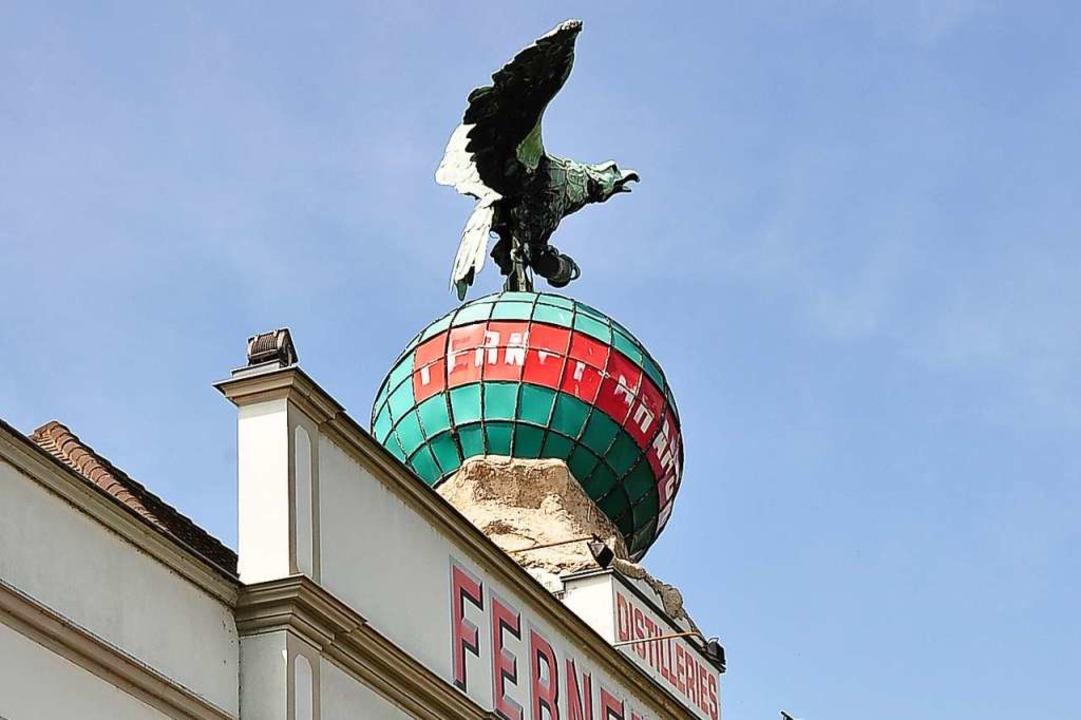 Der Adler ist das Symbol der Marke Fer...aum in der alten Destillerie betreibt.  | Foto: Annette Mahro