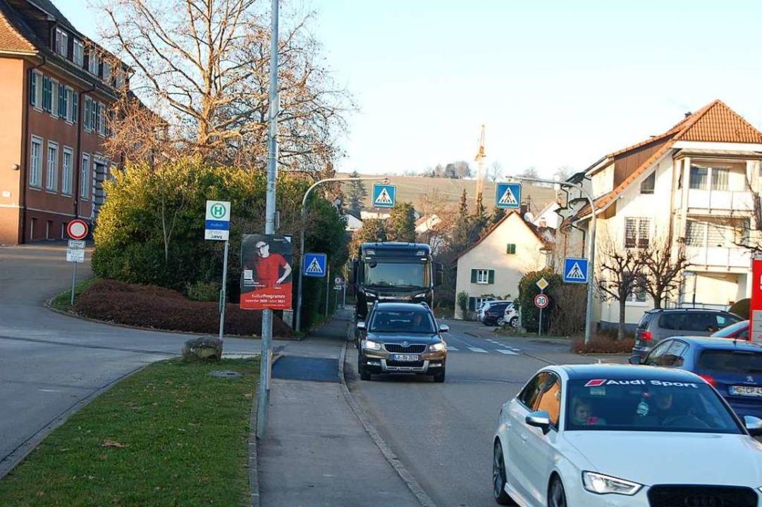 Der Verkehr in der Minselner Ortsdurch... ein unerträgliches Ausmaß angenommen.    Foto: Petra Wunderle