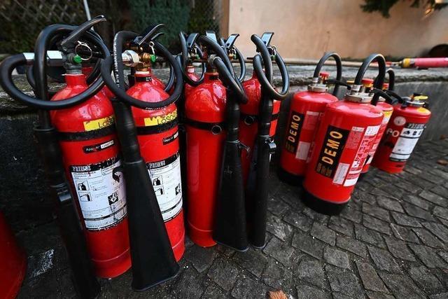 Feuer in Mehrfamilienhaus in Oberbergen – 14 Bewohner ausquartiert