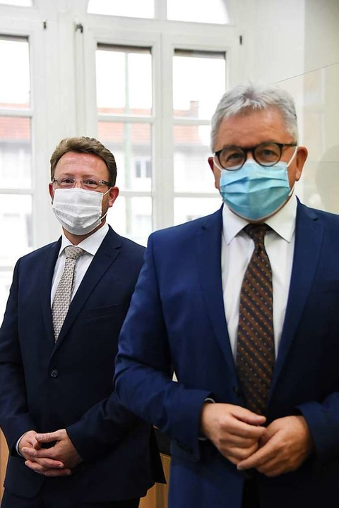 Leitender  Oberstaatsanwalt  Tomas  Or...links) und  Justizminister Guido  Wolf  | Foto: Robert  Bergmann