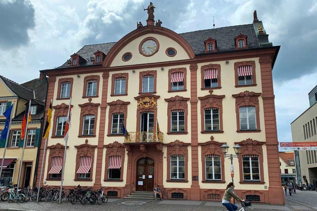 Das Rathaus in Offenburg: Die Gemeinderatsfraktion der Grünen kritisiert den OB.    Foto: Helmut Seller