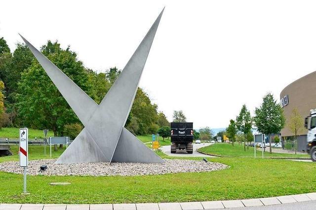 Bürgerliste will die Skulptur im Kreisverkehr in Binzen versetzen
