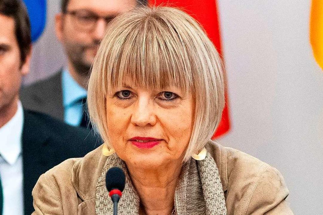 Helga Schmid  | Foto: JOE KLAMAR (AFP)