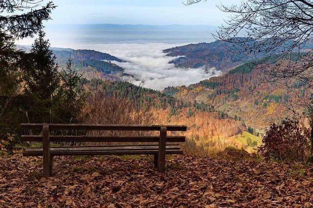 Staufen und das untere Münstertal liegen im Nebel