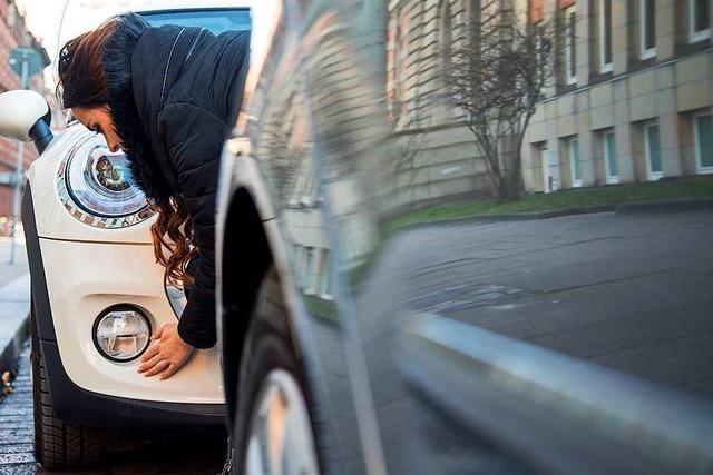 Vom Unfallort entfernt – Mann muss Führerschein abgeben