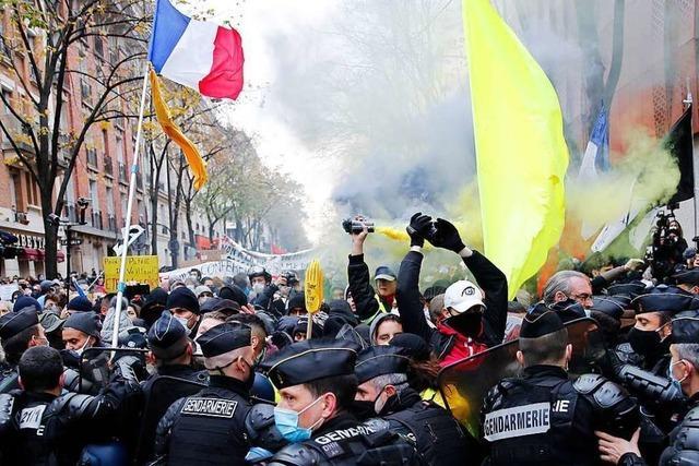 Tausende protestieren in Paris gegen soziale Ungerechtigkeit und die Polizei