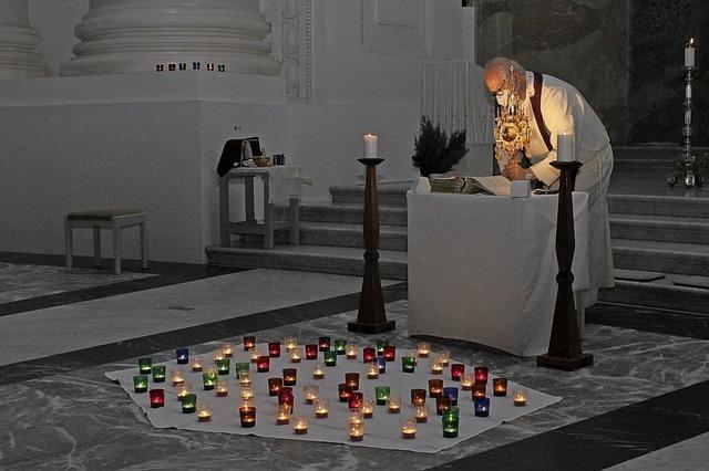 150 Kerzen angezündet