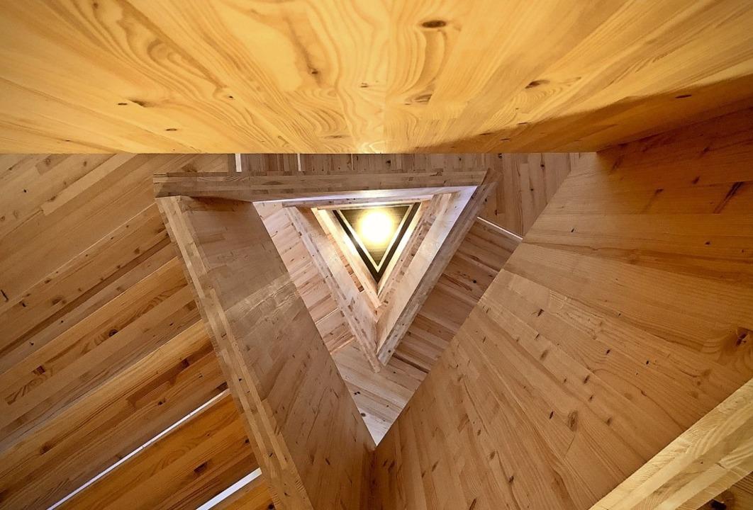 Beispielhaftes Holzbauprojekt: Innenan...Entwürfen des Architekten Klaus Wehrle    Foto: Oliver Kern